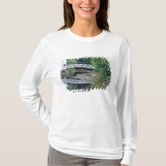 NA, USA, Maine.  Bridge over pond in Somesville. T-Shirt