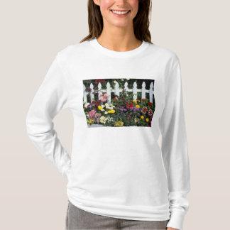 NA, USA, Washington, Sammamish, White picket T-Shirt