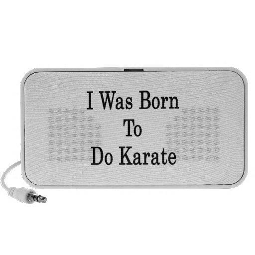 Nací hacer karate altavoces