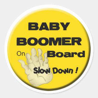 Nacido en el baby boom en de Board_Slow el Pegatina Redonda