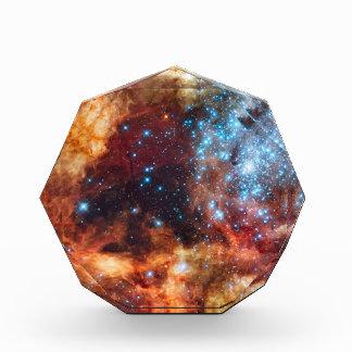 Nacimiento del cúmulo de estrellas cósmico del azu