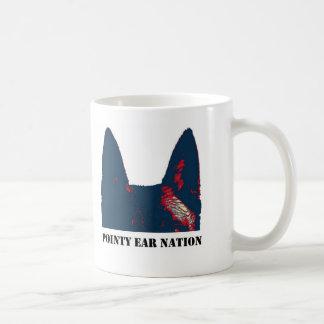 Nación puntiaguda del oído taza de café
