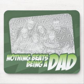 Nada bate ser un papá Customizeable Mousepad