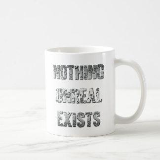 Nada irreal existe taza básica blanca