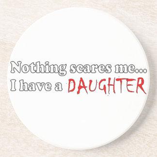 Nada me asusta… que tengo una hija posavasos cerveza