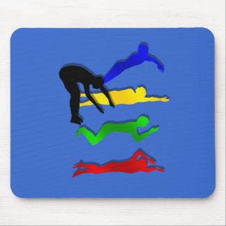 Nadada de los deportes acuáticos de los nadadores  mousepads