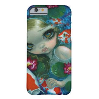 Nadando con caso del iPhone 6 de Koi