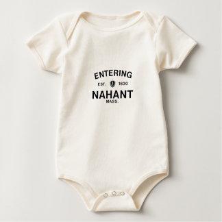 Nahant que entra mameluco de bebé