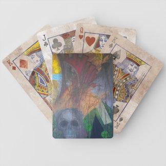 Naipes abstractos oscuros del cráneo barajas de cartas