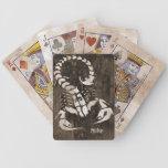 Naipes apenados del escorpión barajas de cartas