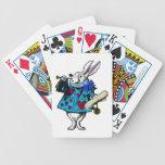 Naipes blancos de la cubierta del país de las cartas de juego