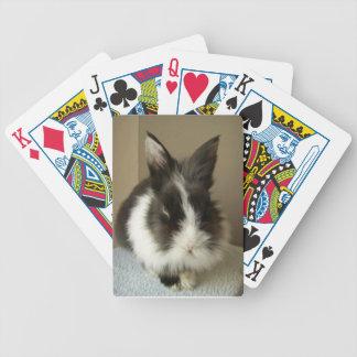 Naipes blancos negros del conejo del angora baraja