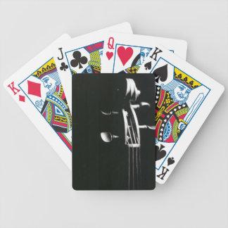 Naipes blancos y negros del violín cartas de juego