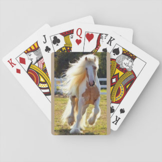 naipes con el caballo crinado largo