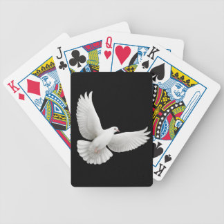 Naipes de la paloma del blanco que vuelan barajas de cartas