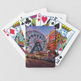 Naipes de la rueda de la maravilla baraja de cartas