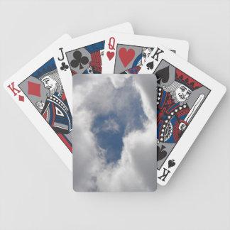 Naipes de las nubes cartas de juego