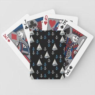 Naipes náuticos de los barcos y de las anclas de v baraja de cartas