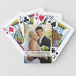 Naipes negros, blancos de la foto del boda de la v baraja de cartas