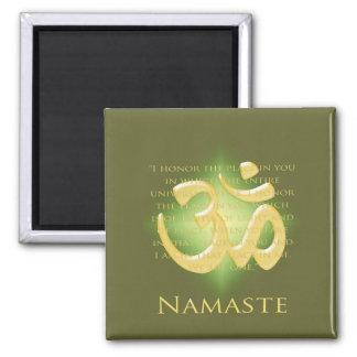 Namaste - arqueo a usted (en verde) imán cuadrado