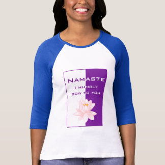 Namaste - arqueo humildemente a usted (la púrpura) playera