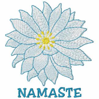 Namaste bordó la camiseta de las mujeres