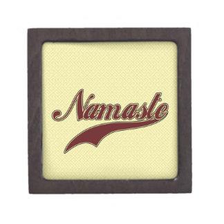 Namaste Borgoña roja elegante Caja De Regalo De Calidad