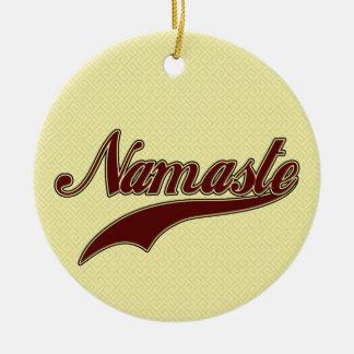 Namaste Borgoña roja elegante Adorno De Navidad