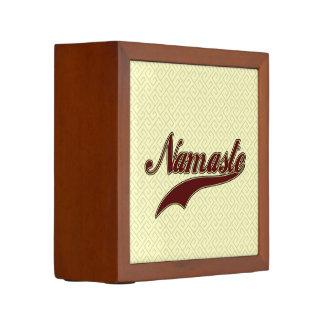 Namaste Borgoña roja elegante
