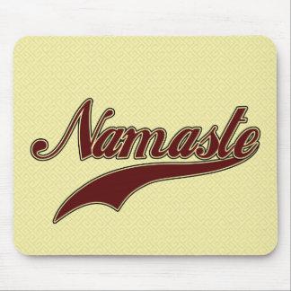 Namaste Borgoña roja elegante Tapetes De Ratones