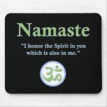 Namaste - con cita y símbolo de OM Alfombrilla De Ratón