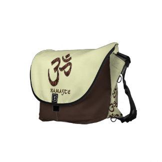 Namaste con el símbolo Brown de OM y la crema Bolsa De Mensajeria