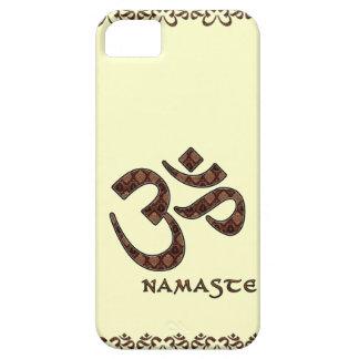 Namaste con el símbolo Brown de OM y la crema iPhone 5 Funda