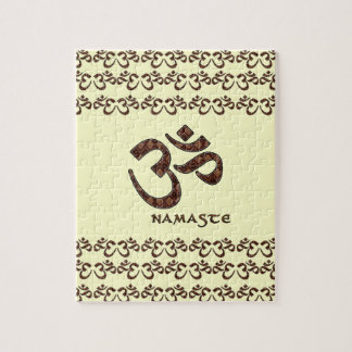 Namaste con el símbolo Brown de OM y la crema Rompecabeza