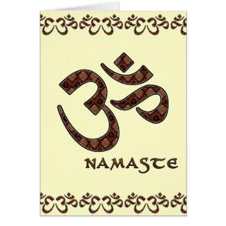 Namaste con el símbolo Brown de OM y la crema Tarjeta De Felicitación