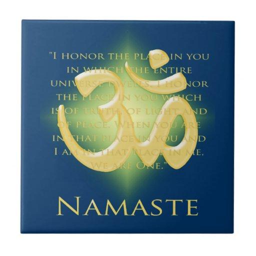 Namaste con símbolo de OM Tejas Ceramicas