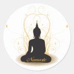 Namaste elegante Buda Pegatina Redonda