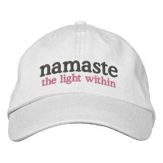 Namaste la luz dentro gorras bordadas