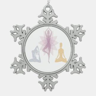 Namaste, yoga, yogui, mujeres, chakra, ji, adorno de peltre en forma de copo de nieve