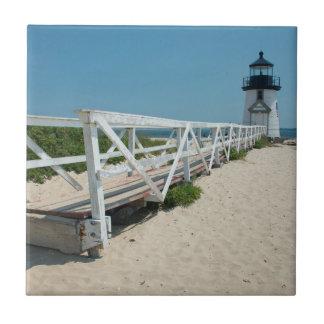 Nantucket. Faro de madera viejo Azulejo Cuadrado Pequeño