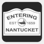 Nantucket que entra Est. 1659 firme adentro el Calcomania Cuadrada Personalizada