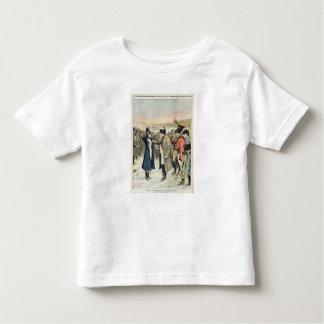 Napoleon Bonaparte que presenta a la hembra Camisas