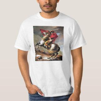 Napoleon que cruza la camiseta de las montañas playeras