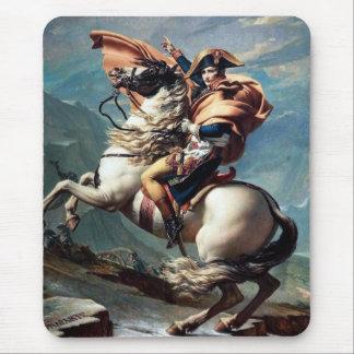 """""""Napoleon que cruza las montañas"""" - 1800 por el Alfombrillas De Ratón"""