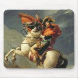 Napoleon que cruza las montañas el 20 de mayo de 1 alfombrillas de ratón