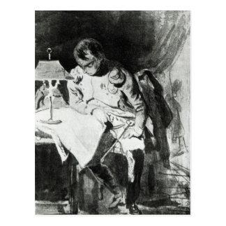 Napoleon que estudia sus mapas por la luz postales