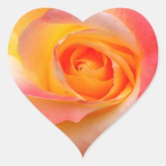 Naranja, amarillo, y productos múltiples subiós pegatina en forma de corazón