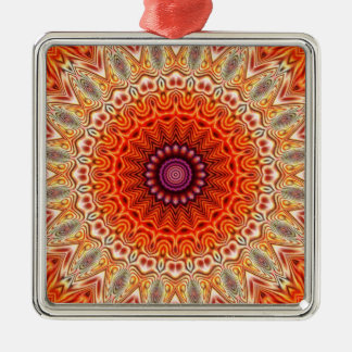 Naranja caleidoscópico de la flor y diseño del adorno navideño cuadrado de metal