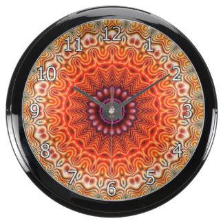 Naranja caleidoscópico de la flor y diseño del reloj acuario