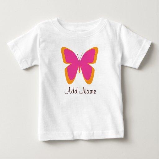 Naranja de la mariposa y camiseta rosada de la playera